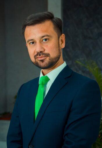 Фаррух Сабиров